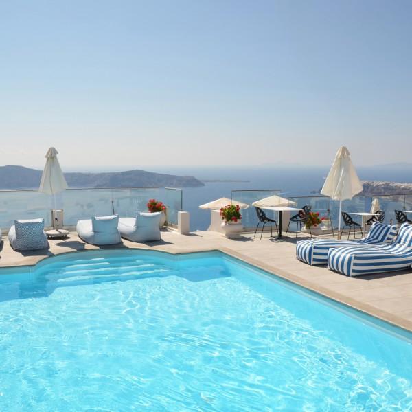 piscine à Santorin
